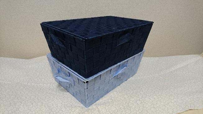 ダイソーの蓋付きボックス